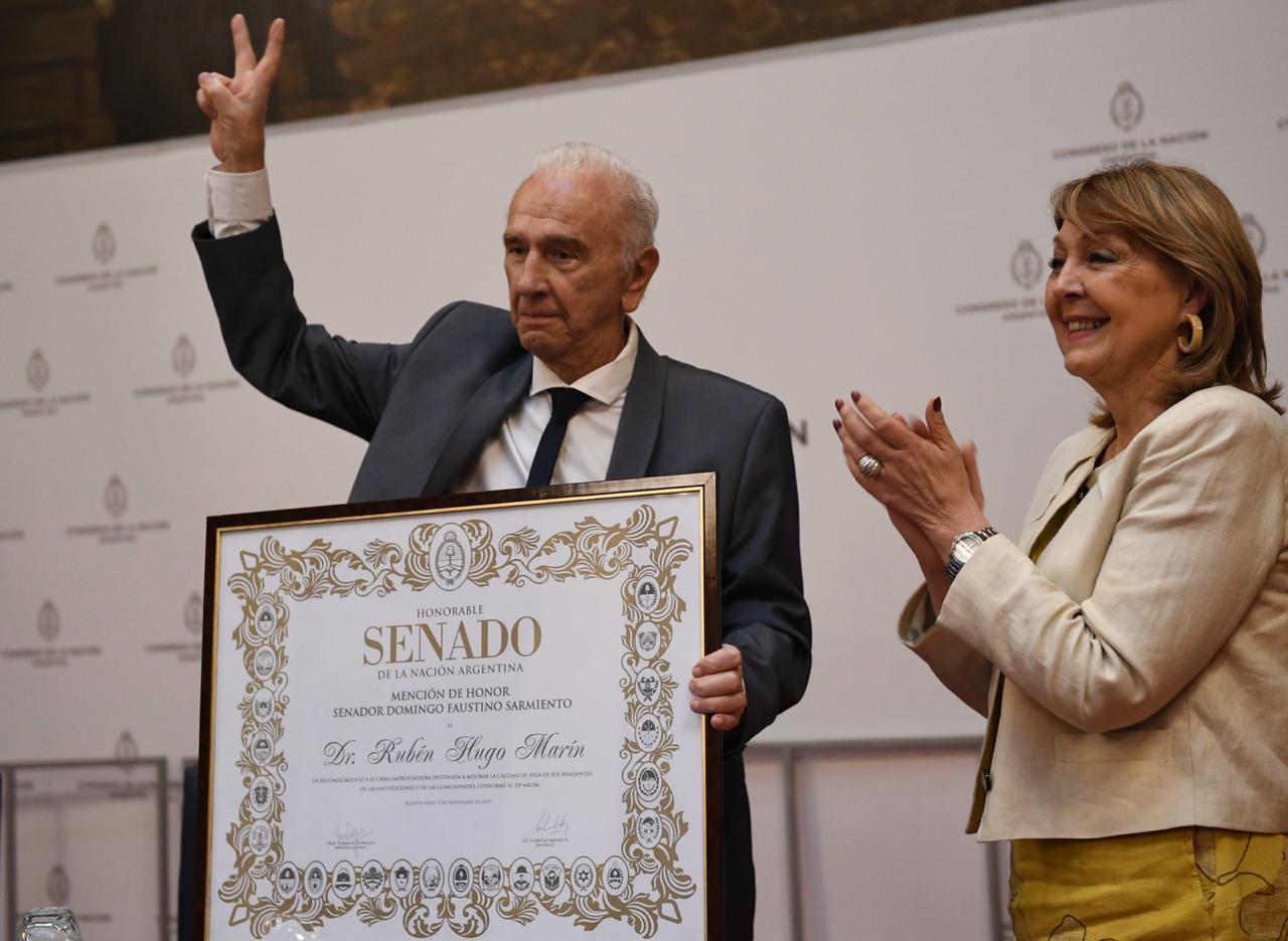 Reconocimiento a Rubén Marín en el Senado