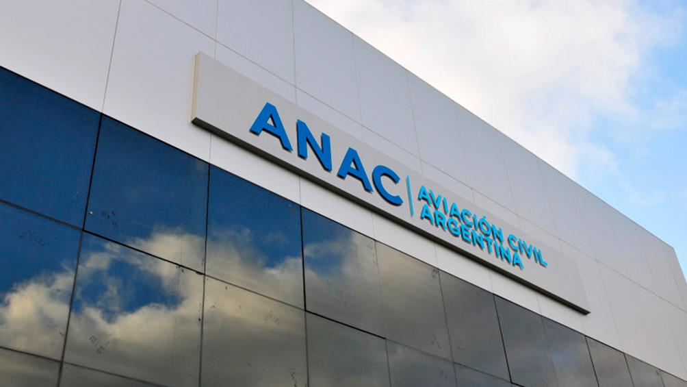 La ANAC dijo que colaborará con la justicia y aclaró que hace 20 años hay vuelos a Malvinas