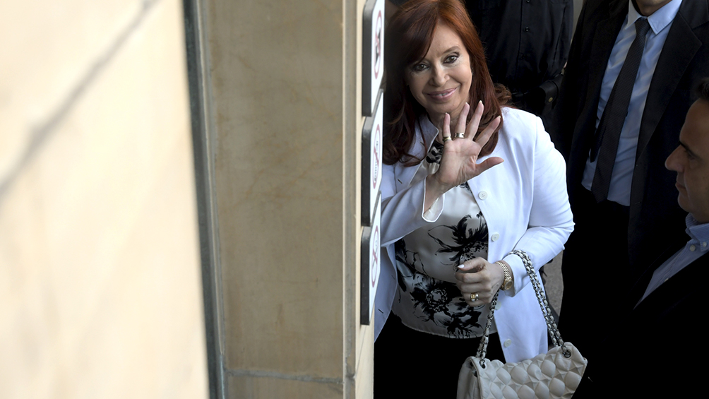 """Cristina: """"No sé cómo tuve tiempo de gobernar si fui jefa de cuatro asociaciones ilícitas"""""""