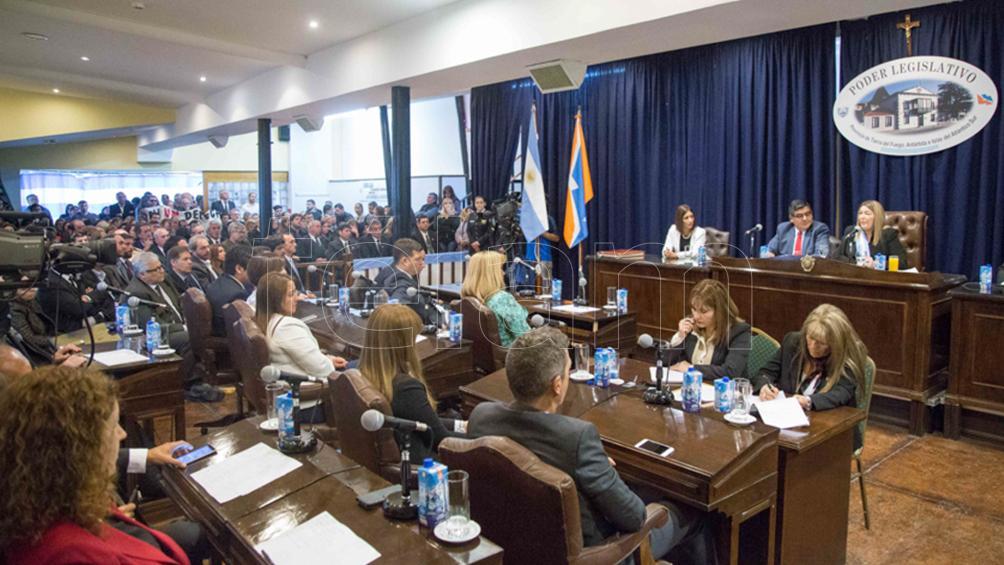 Polémica en Tierra del Fuego: la presidencia de la Legislatura tendrá 74 asesores
