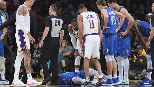 La escalofriante caída de Luka Doncic asustó a todos en la NBA