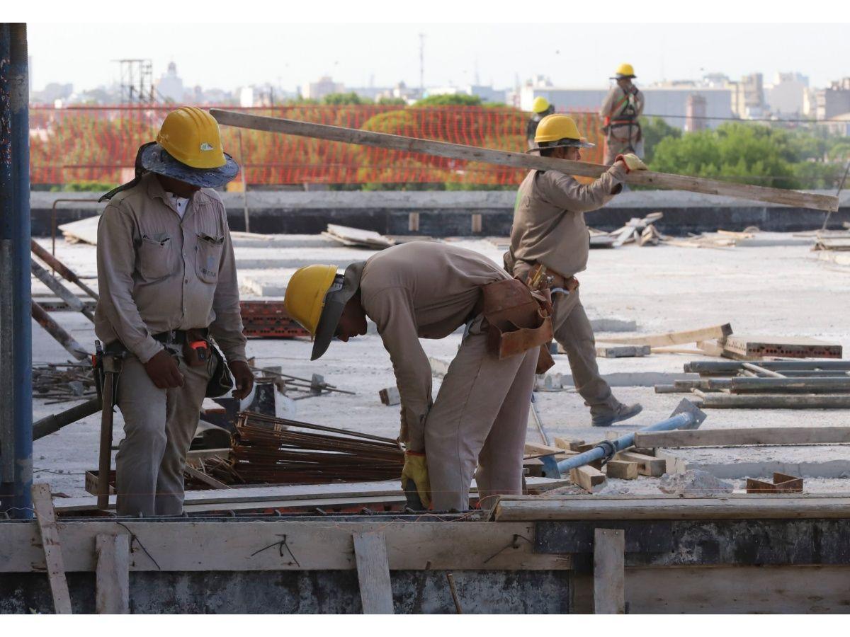 """La construcción, a la espera de su """"segundo semestre"""""""