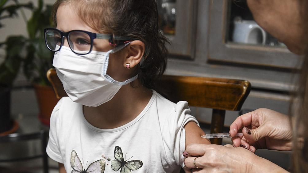 """Félix Crous: """"Por las vacunas vencidas hubo un déficit de vacunación de la triple viral en 2018"""""""