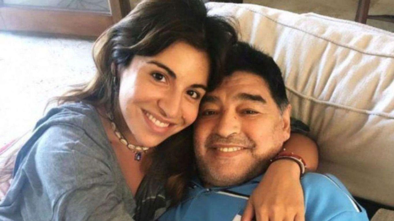 """""""¿Cómo ellos viven y vos no?"""": la bronca de Gianinna Maradona tras la declaración de dos enfermeros en la causa por la muerte de Diego"""