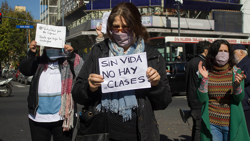 Finaliza otra semana de protestas de docentes porteños con 'semaforazo' y radio abierta