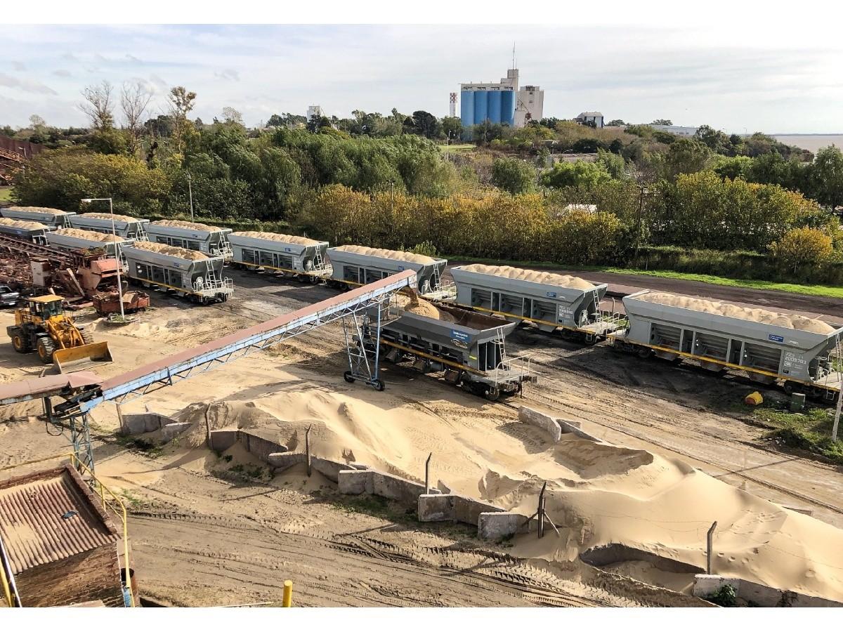 trenes-argentinos-despacha-arena-al-yacimiento-petrolifero-de-vaca-muerta